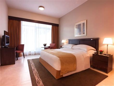3 bedroom hotel apartments in bur dubai movenpick hotel apartments bur dubai tropical sky