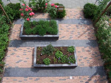 Kleine Tuinen Voorbeelden by Kleine Tuinen Voorbeelden Zoeken Tuinidee