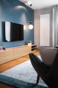 Farbe Grau Holz Moderne Wohnung Farbe Grau Und Holz Wirken Wohnlich Moderne Wohnung In Polen