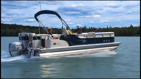 images of luxury pontoon boats luxury pontoon boat www imgkid the image kid has it