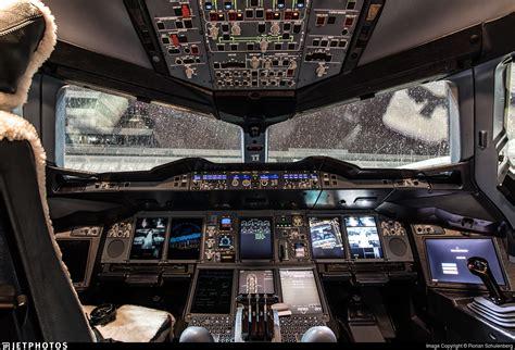 cabina di pilotaggio airbus a380 airbus a380 cockpit 80744 infobit