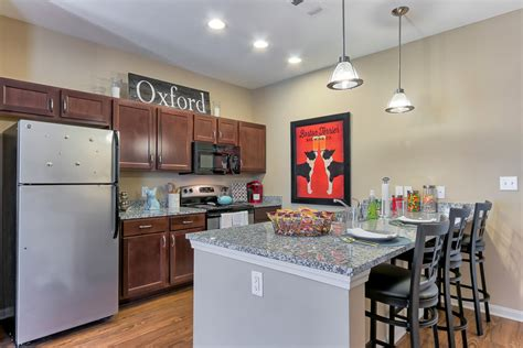 2 bedroom apartments in oxford ms highland square oxford oxford ms apartments com