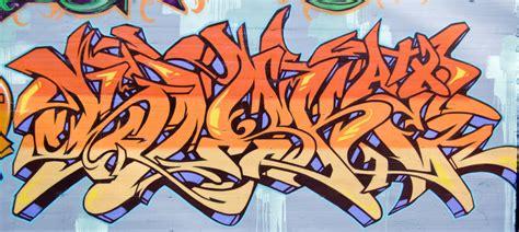 stunning graffiti painting     lava
