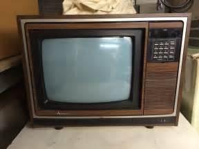 Shallow Display Cabinet Mitsubishi Woodgrain Crt Television Digital Image