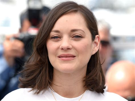 Marion Records Marion Cotillard Wears On Cannes Carpet Time