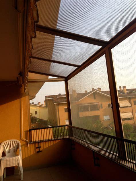 zanzariere per terrazzi foto copertura di un balcone con zanzariere di cfm