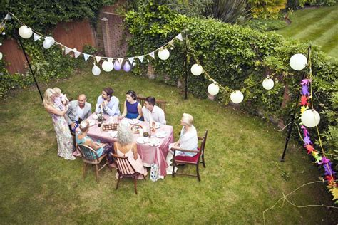 how to decorate backyard for birthday party cheap and fun party decorating ideas