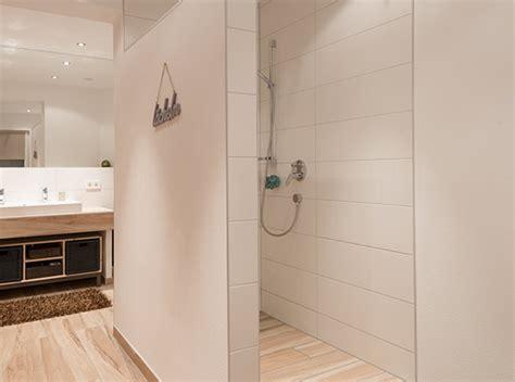 grundlegende badezimmer designs holzboden badezimmer aber holz holzboden badezimmer