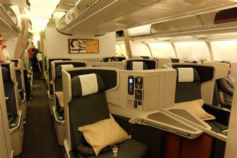 flying cathay pacific business class hong kong to