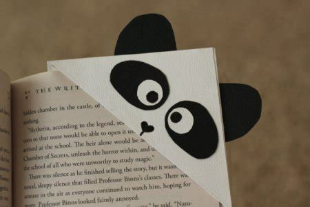 Origami Bookmark Panda - 14 panda craft ideas for to make