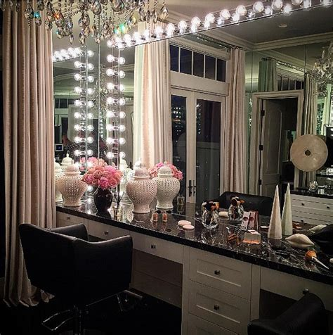 khloe kardashian bedroom khloe kardashian s glam room get the look so sue me