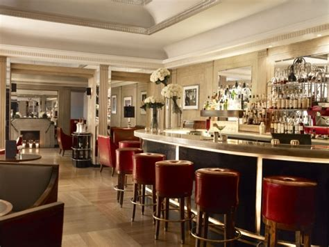top 5 bars in london 5 top cocktails in london s most iconic bars visitbritain