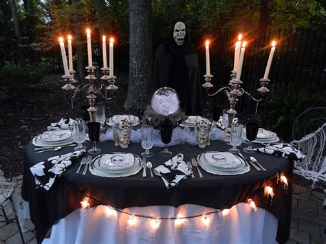 Scary Outdoor Halloween Decorations 20 Halloween Inspired Table Settings To Wow Your Dinner
