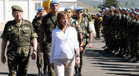 carmen chacon edad carme chac 243 n la ministra de defensa que perdi 243 su guerra