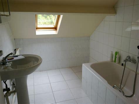 comment am駭ager une chambre mansard馥 relooking salle de bain mansard 233 e