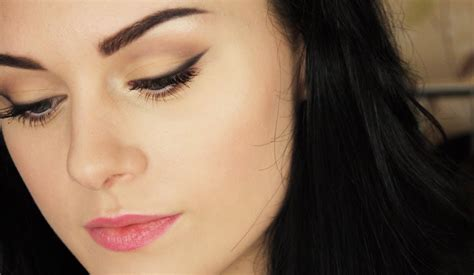 Eyeshadow Simple sweet and simple makeup tutorial