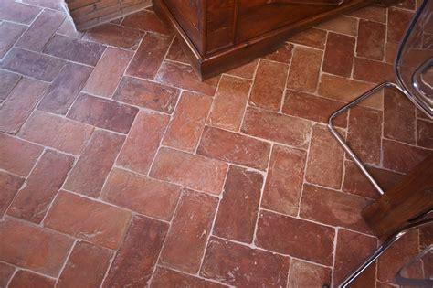 pavimenti in cotto prezzi pavimenti in promozione il cotto fatto a mano e cotto a