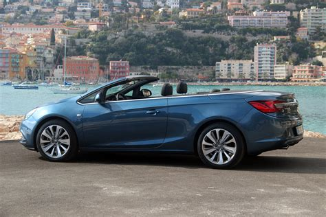 opel cascada hardtop 100 opel cascada hardtop vauxhall reviews carbuyer