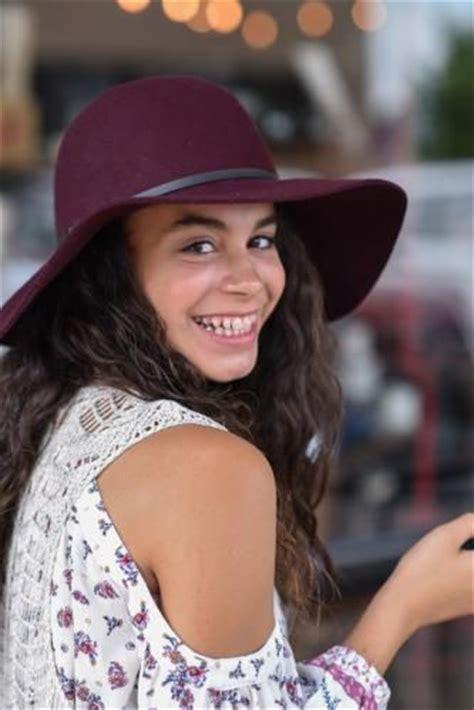 barbizon modeling | alumni news | gabriela signs with