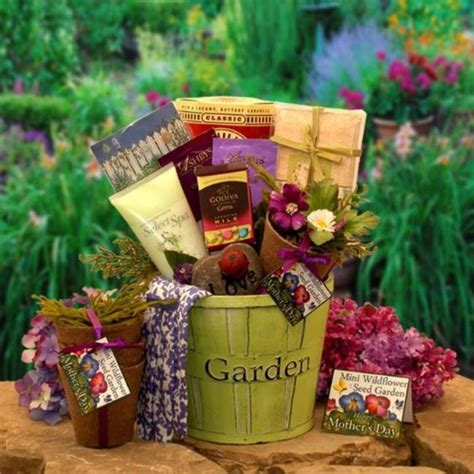 Gardening Gift Basket Ideas Unique Gardening Gift Ideas For Gardening Gifts For A Listly List