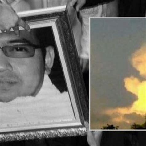 awan berdoa diatas makam ustad jefri lucu unik aneh