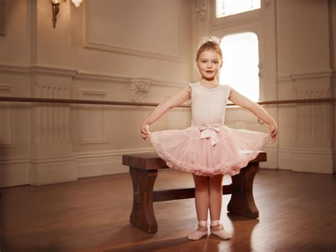 little girls ballet dancing collette dinnigan collaborates with the australian ballet