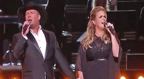 garth trisha resurrect iconic duets in epic cma performance country rebel