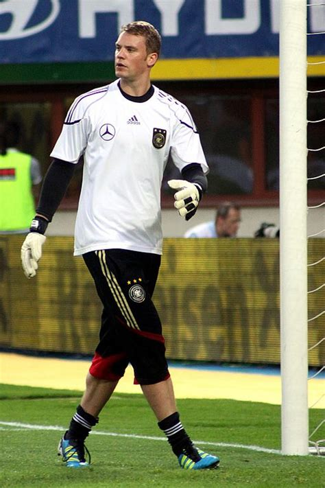 file manuel neuer germany national football team 02 jpg wikimedia commons