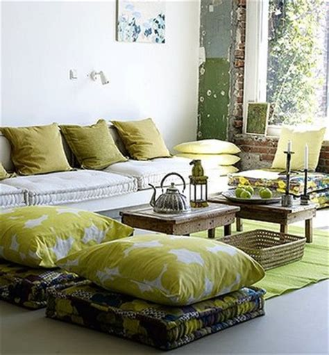 Decorating Ideas For Living Room With Green Sofa Living Room Decorating Ideas With A Green Home