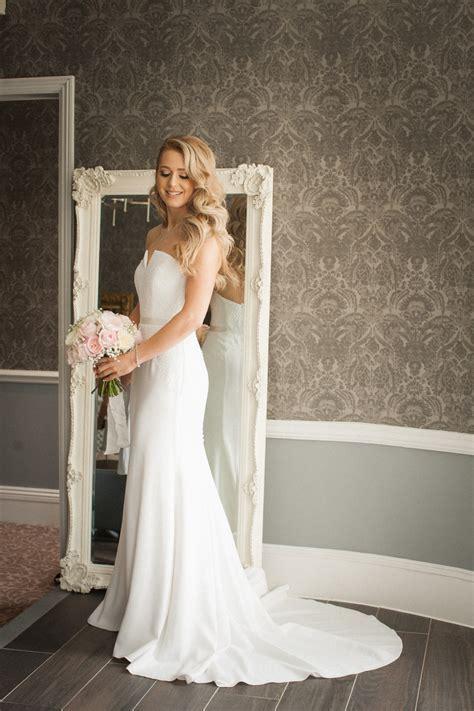 Suzanne Neville Delphine Second Hand Wedding Dress on Sale