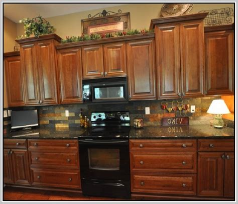 uba tuba granite with oak cabinets oak cabinets with granite great kitchen paint color ideas