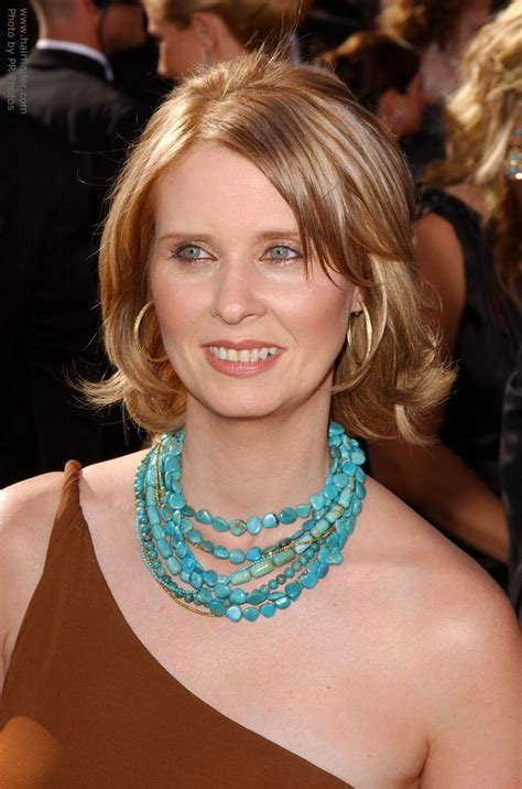 cynthia nixon hairstyles celebrity hairstyles sophisticated allure cynthia nixon sporting a midlength hairstyle with flipping