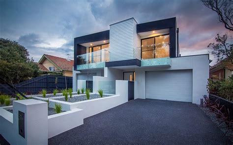 brighton duplex sparkling townhouses  breezy modern