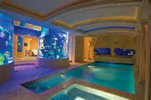 schwimmbad mit aquarium indoor pool with fish tank home pool
