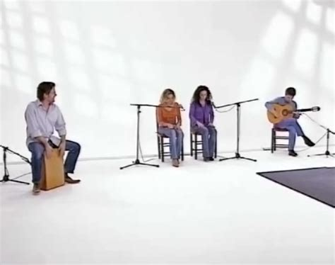 cajon how to play learn how to play the caj 243 n percussion dvd la sonanta