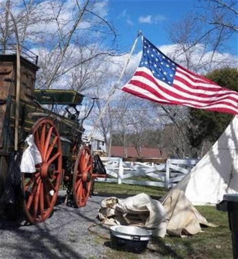 cowboys and chuckwagon cooking : saddle up pigeon forge