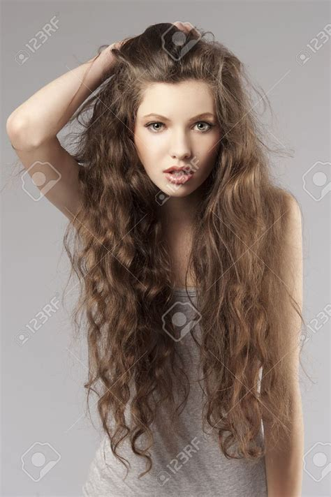 cute hairstyles brown hair cute hairstyles for long curly brown hair 35267087 cute