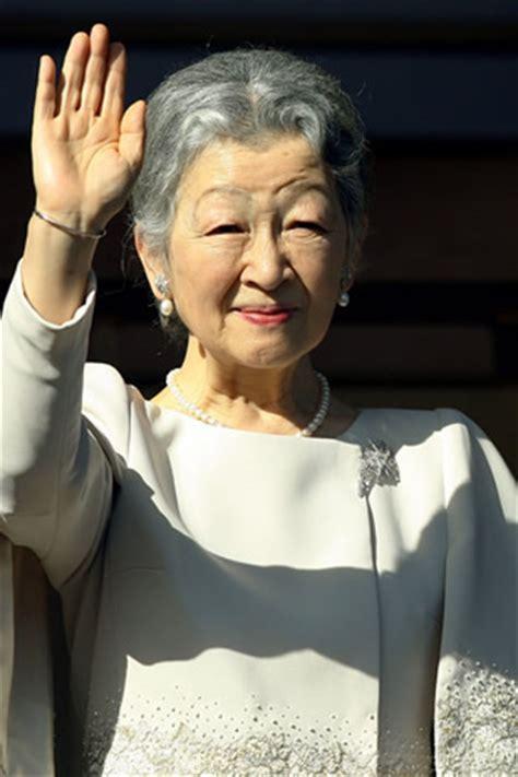 portrait : michiko du japon noblesse & royautés