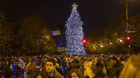 Photos From The 2015 Chicago Christmas Tree Lighting Ceremony Tree Lighting Chicago