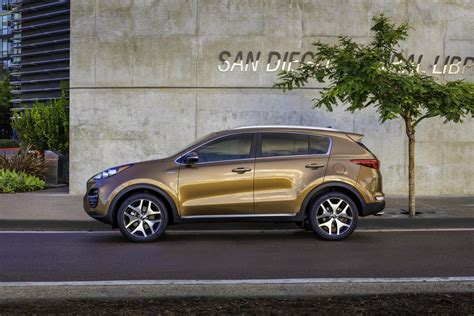 What Company Makes Kia 2017 Kia Sportage Makes American Debut Autoevolution
