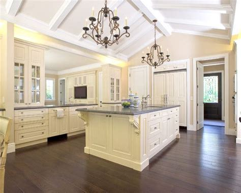 Kitchens With Cathedral Ceilings Pictures by 17 Best Images About Cathedral Ceiling On In