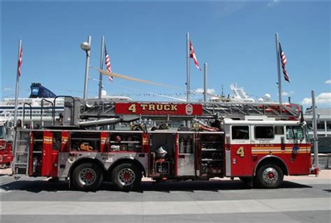 fdny ladder 4 : digital photography review