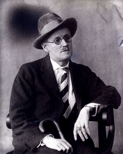 themes in counterparts by james joyce inglese james joyce dubliners
