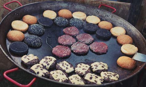 cucinare hamburger in padella cottura hamburger padella colonna porta lavatrice