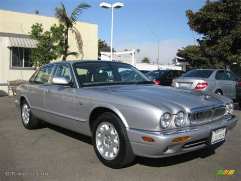 hayes car manuals 2006 jaguar xj navigation system service manual hayes car manuals 2000 jaguar xj series spare parts catalogs change a 1993