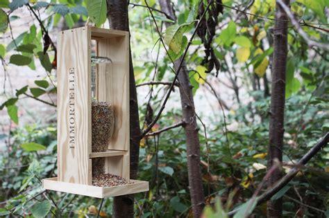 Délicieux Faire Un Jardin D Hiver #1: Mangeoire_oiseau_ecolo_1.jpg