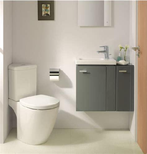 vaso igienico per il bagno design e stile per spazi piccoli cose di casa