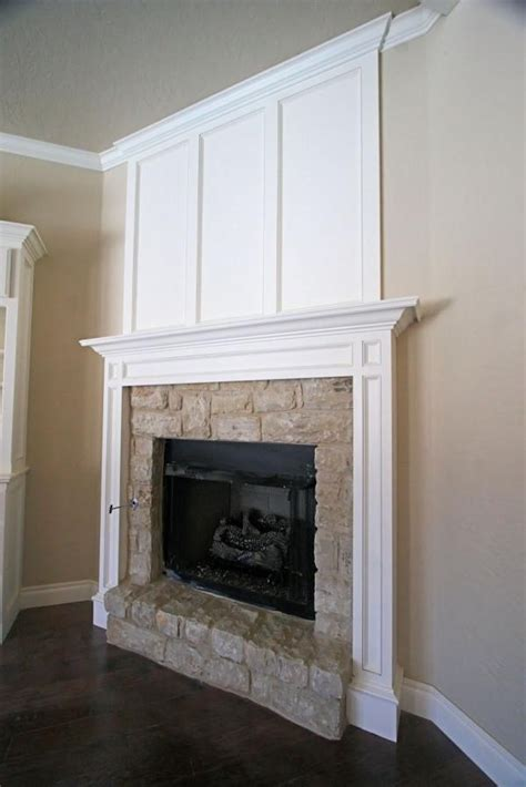 molding around fireplace room