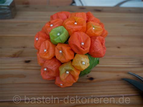 herbstdekoration mit lampionblumen basteln und dekorieren