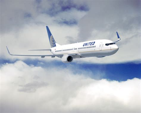 United Airline | united airlines captain dies after heart attack mid flight
